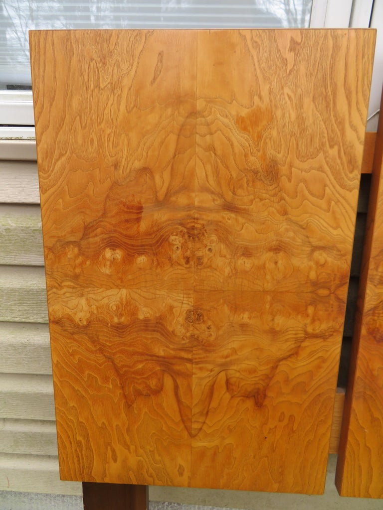 Mid-Century Modern Stunning Vintage Milo Baughman Style Burl Wood King Headboard Lane For Sale