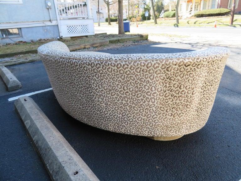 Upholstery Stunning Vladimir Kagan Curved Serpentine Cloud Sofa Mid-Century Modern For Sale