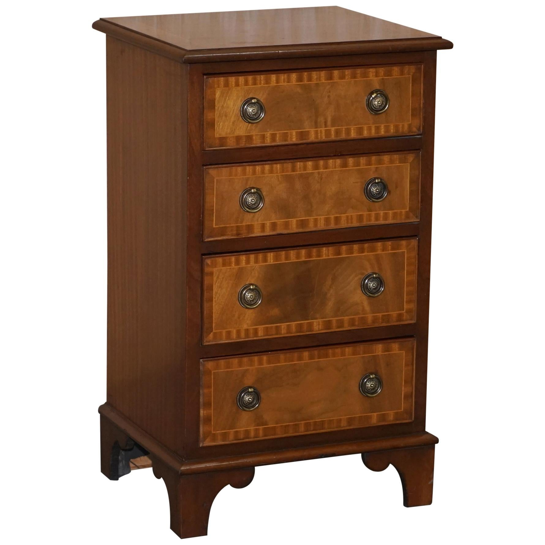 Stunning Walnut & Hardwood Chest of Drawers Lamp End Wine Bedside Table Sized