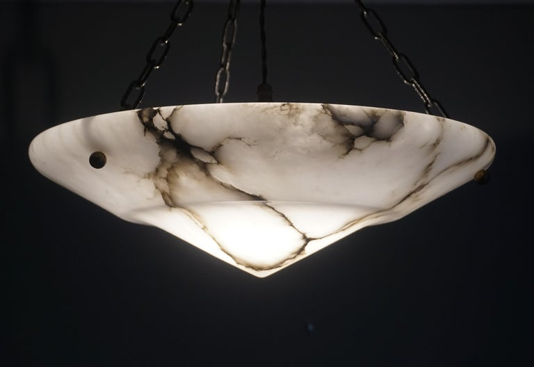 Stunning White Alabaster and Black Veins Art Deco Chandelier / Pendant ca 1920 In Excellent Condition For Sale In Lisse, NL