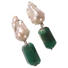 Gemjunky Stunningly Elegant Emerald and Baroque Pearl Earrings