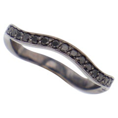 Stylet Ring Black Spinels by Elie Top