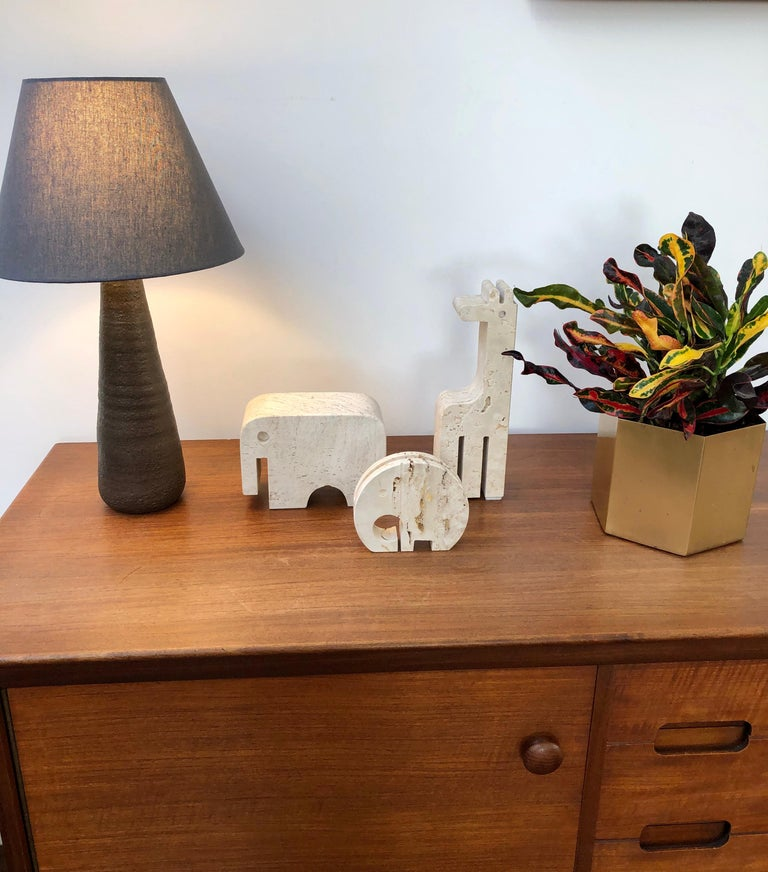 Mid-Century Modern Stylised Travertine Elephant Envelope Holder by Mannelli Brothers 'circa 1970s' For Sale