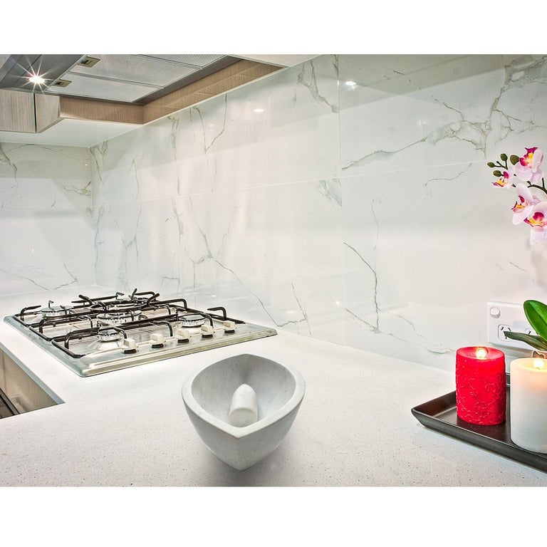 Stilvolle und luxuriöse Reibschale / Mörser aus Carrara-Marmor 7
