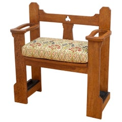 Stylish Arts & Crafts Oak Bench of Narrow Proportions