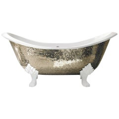 Stylish Bathtub Hand Decorated with Mosaic Platinum Leaf on Back