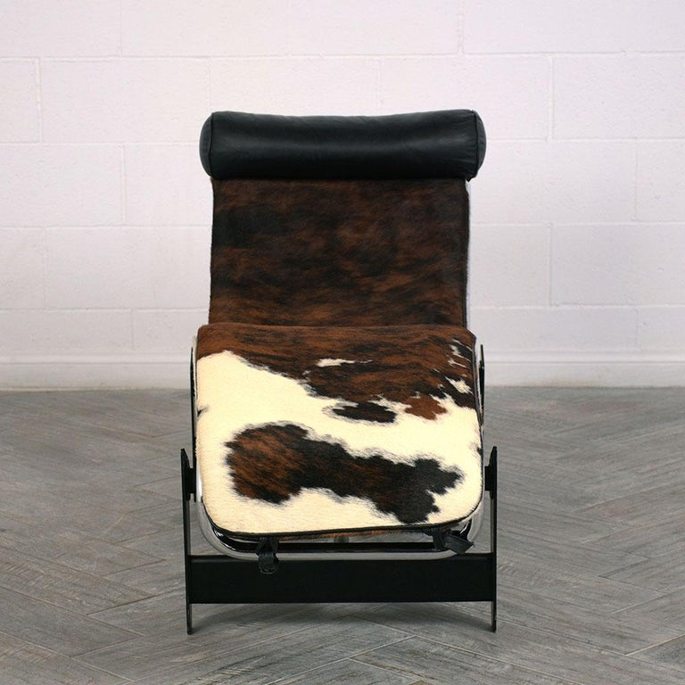 Chaise Lounge Styles: Stylish Chaise Lounge LC4 Le Corbusier Style With Cowhide