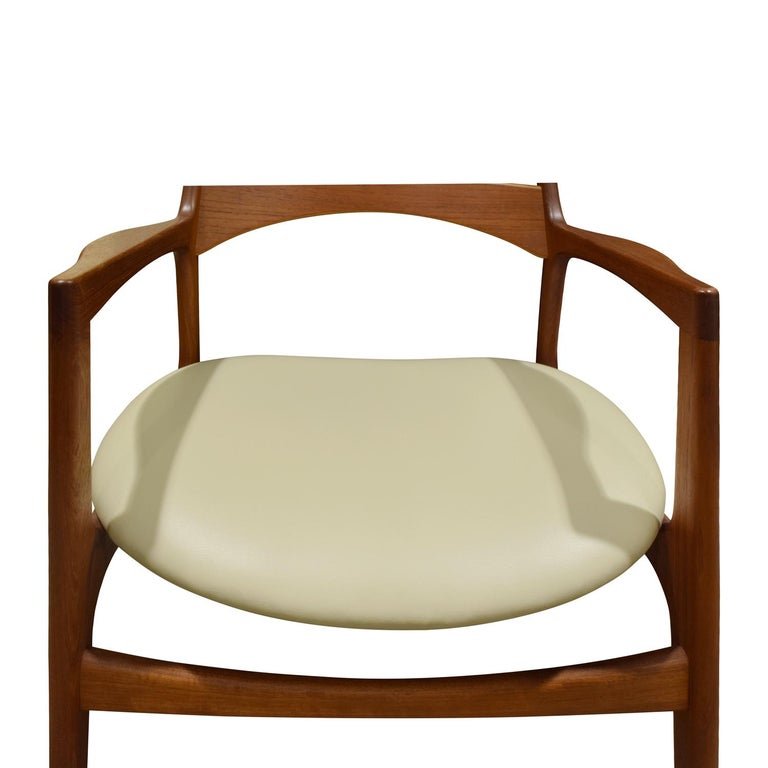 Stylish Danish Desk Chair in Teak, 1950s 'Signed' In Excellent Condition For Sale In New York, NY