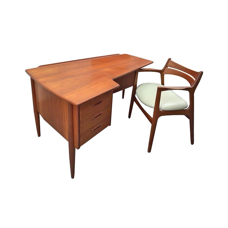 Mid-20th Century Stylish Danish Desk Chair in Teak, 1950s 'Signed' For Sale