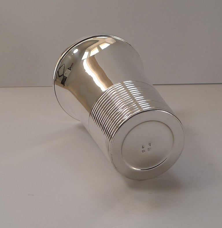 Stylish French Art Deco Silver Plated Cocktail Shaker, c.1930 For Sale 1