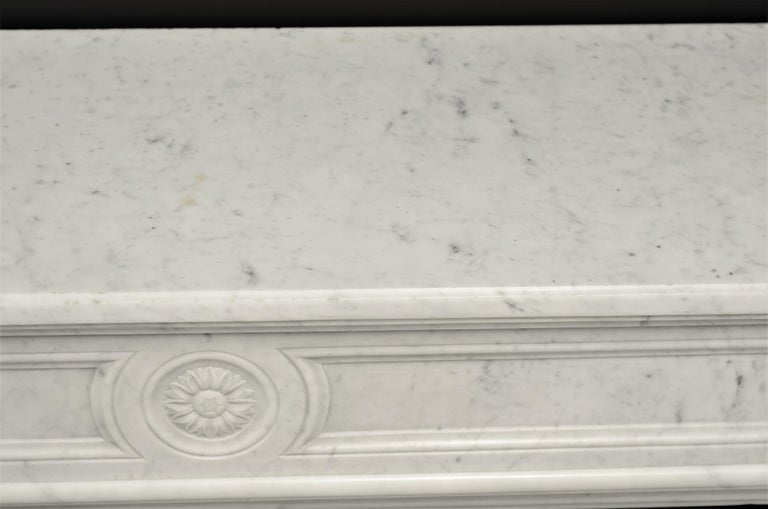 Stylish French Louis XVI Fireplace in Carrara White Marble For Sale 6