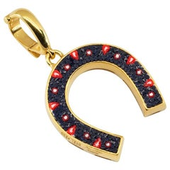 Stylish Good Luck Pendant Yellow Gold Hand Decorated with Micro Mosaic