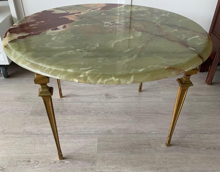 Classical Roman Stylish & Majestic Looking 1950s, Bronze and Green Round Top Onyx Coffee Table