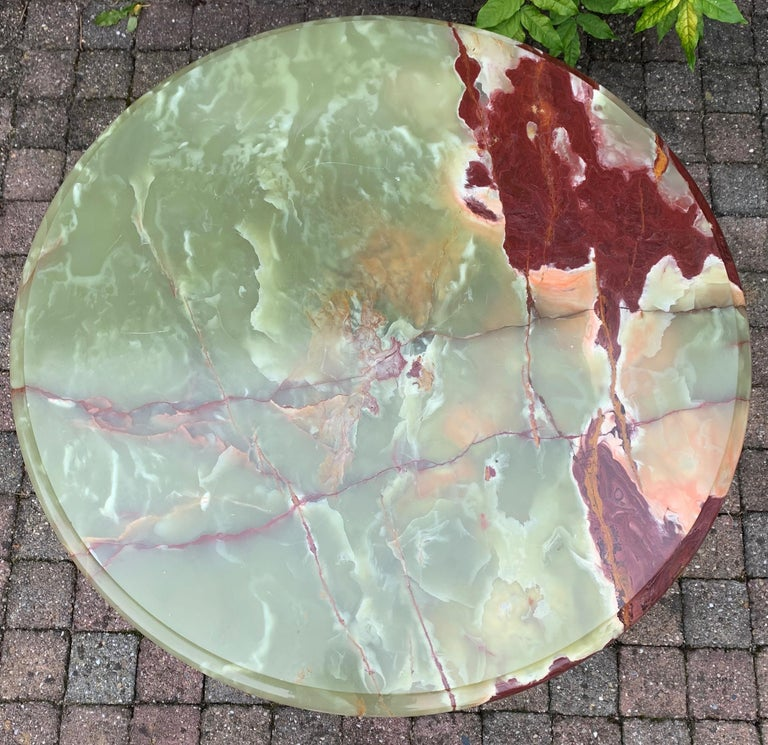 Hand-Crafted Stylish & Majestic Looking 1950s, Bronze and Green Round Top Onyx Coffee Table
