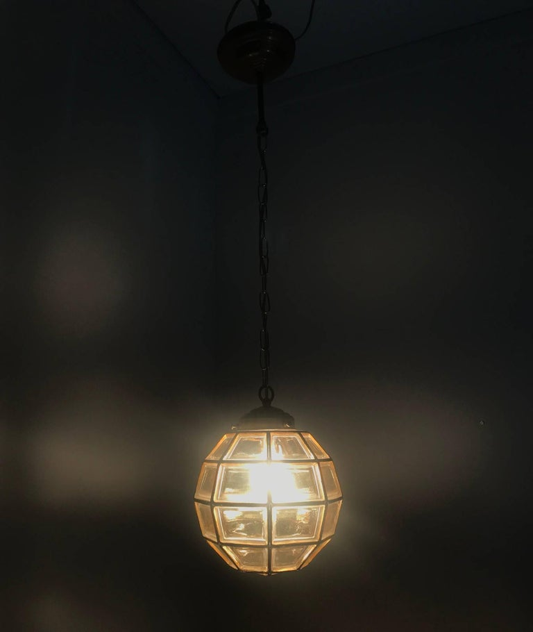 Stylish Mid-Century Modern Facetted and Lined Glass Pendant or Ceiling Lamp For Sale 10