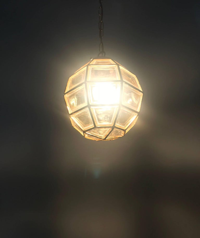 Stylish Mid-Century Modern Facetted and Lined Glass Pendant or Ceiling Lamp For Sale 11