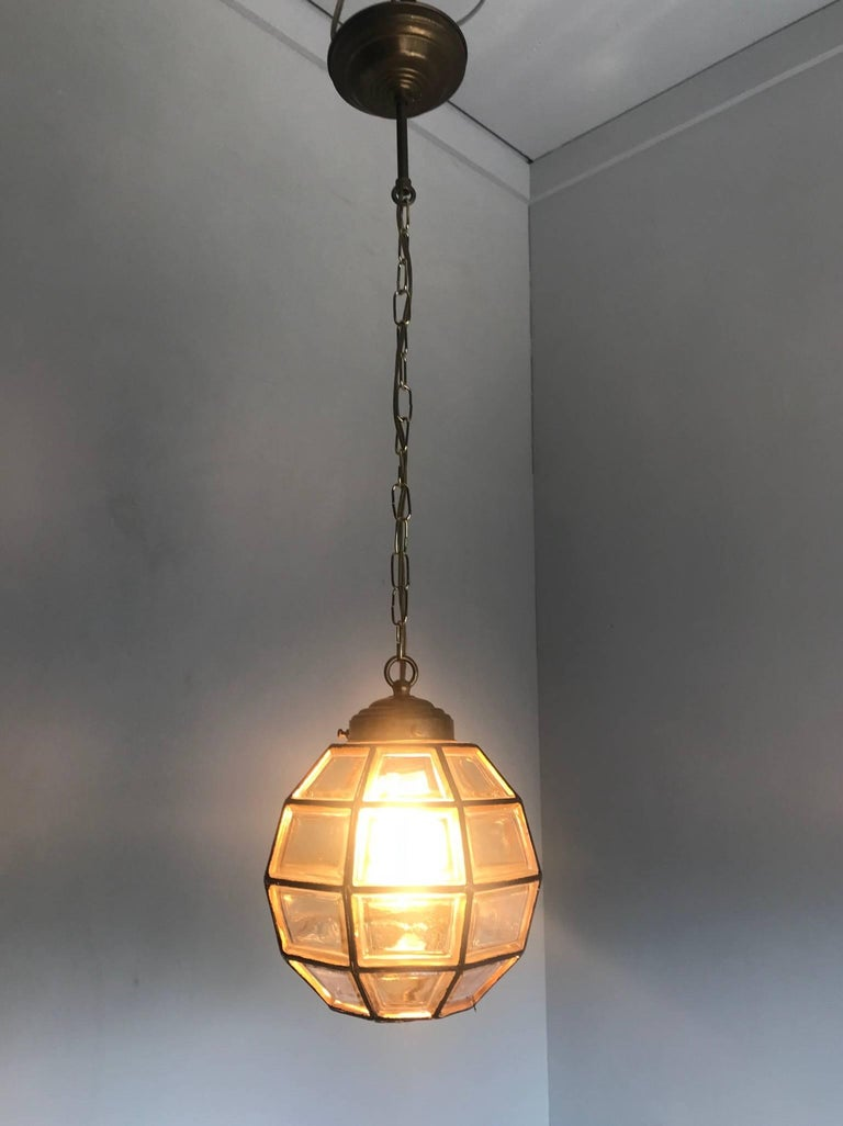 Stylish Mid-Century Modern Facetted and Lined Glass Pendant or Ceiling Lamp In Excellent Condition For Sale In Lisse, NL