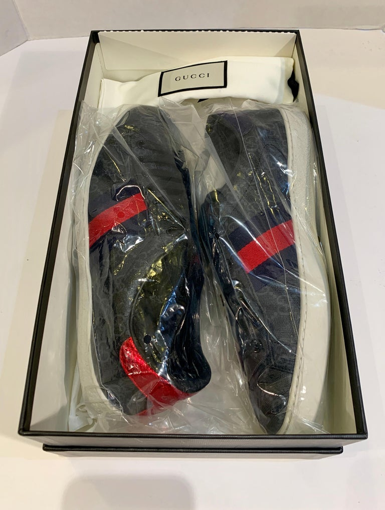 Black Stylish Retro GUCCI Ace GG Supreme Unisex Sneakers Size 7 Mens or Size 9 Womens For Sale