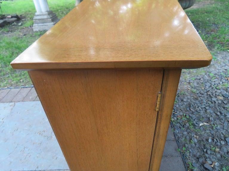Stylish Slim Harvey Probber Style Midcentury Trefoil Design Console Cabinet For Sale 6