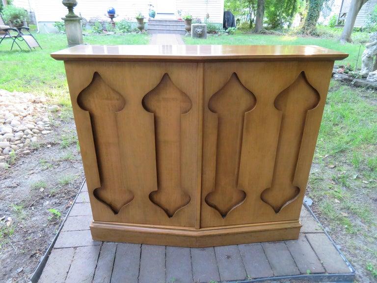 Stylish Slim Harvey Probber Style Midcentury Trefoil Design Console Cabinet For Sale 9