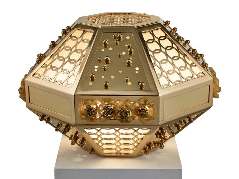 Romantic Stylish Table Lamp with Frame Metal Mesh and Decorative Insert in Brass For Sale
