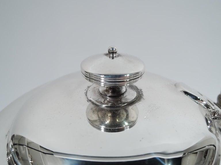 American Stylish Tiffany Edwardian Modern Sterling Silver Coffee & Tea Set For Sale