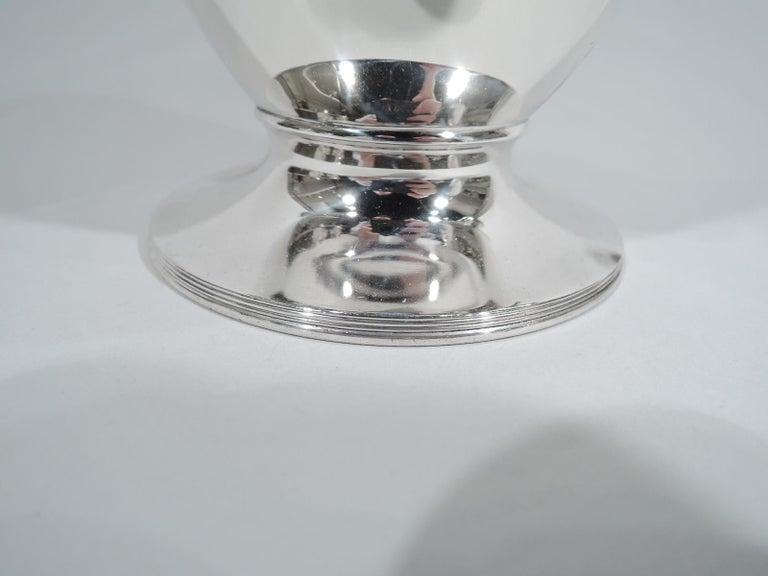 20th Century Stylish Tiffany Edwardian Modern Sterling Silver Coffee & Tea Set For Sale