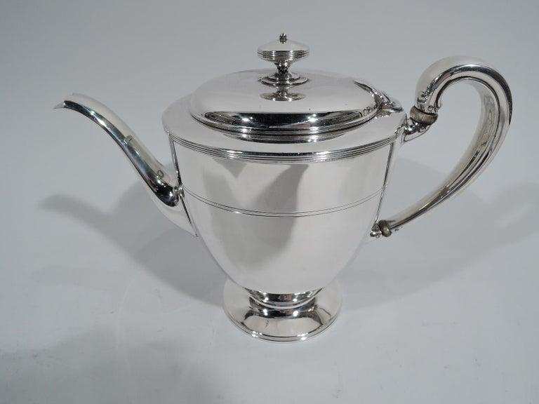 Stylish Tiffany Edwardian Modern Sterling Silver Coffee & Tea Set For Sale 1