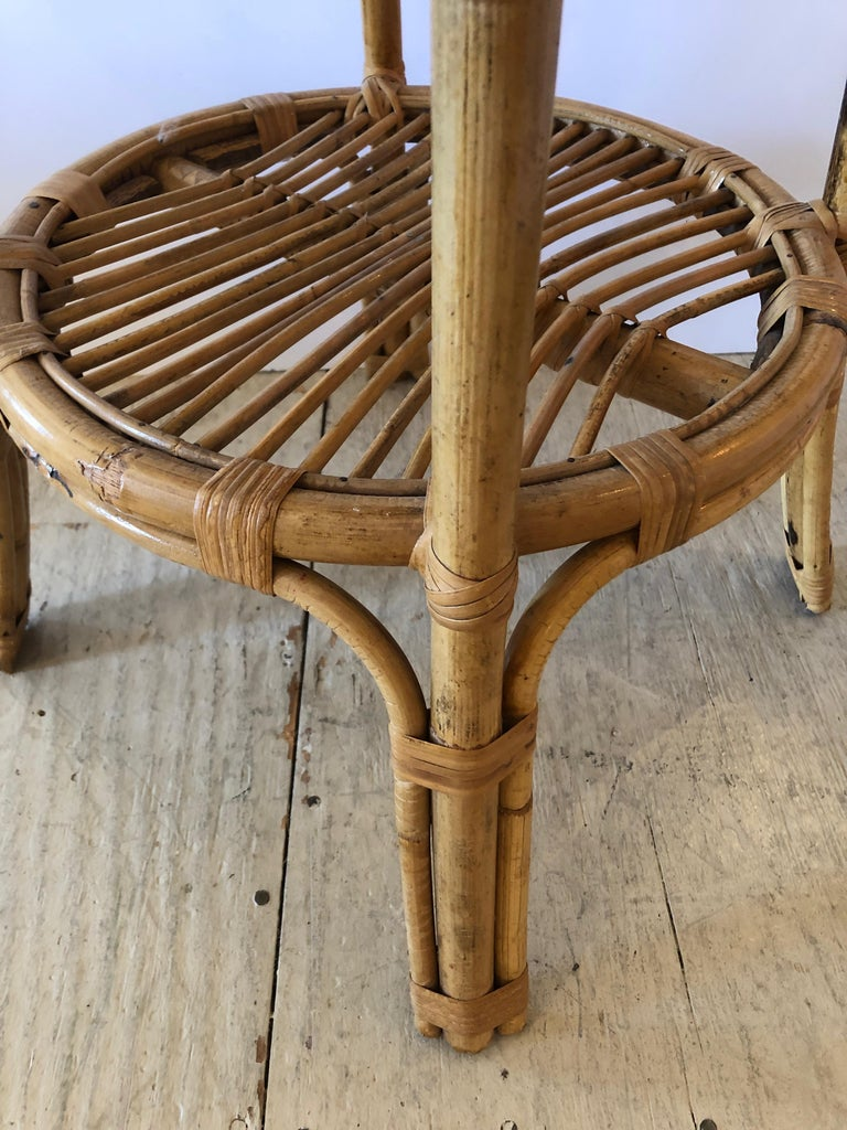 Stylish Versatile Bamboo Rattan 2-Tier Round Side End or Drinks Table In Excellent Condition For Sale In Hopewell, NJ