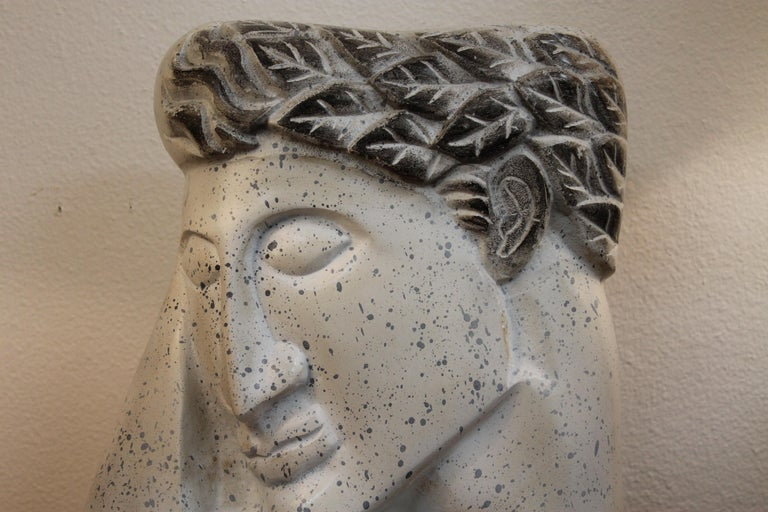 Stylized Plaster Head on Stand In Good Condition For Sale In Palm Springs, CA