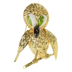 Stylized Solid Yellow Gold Enamel Perched Owl Brooch Pin