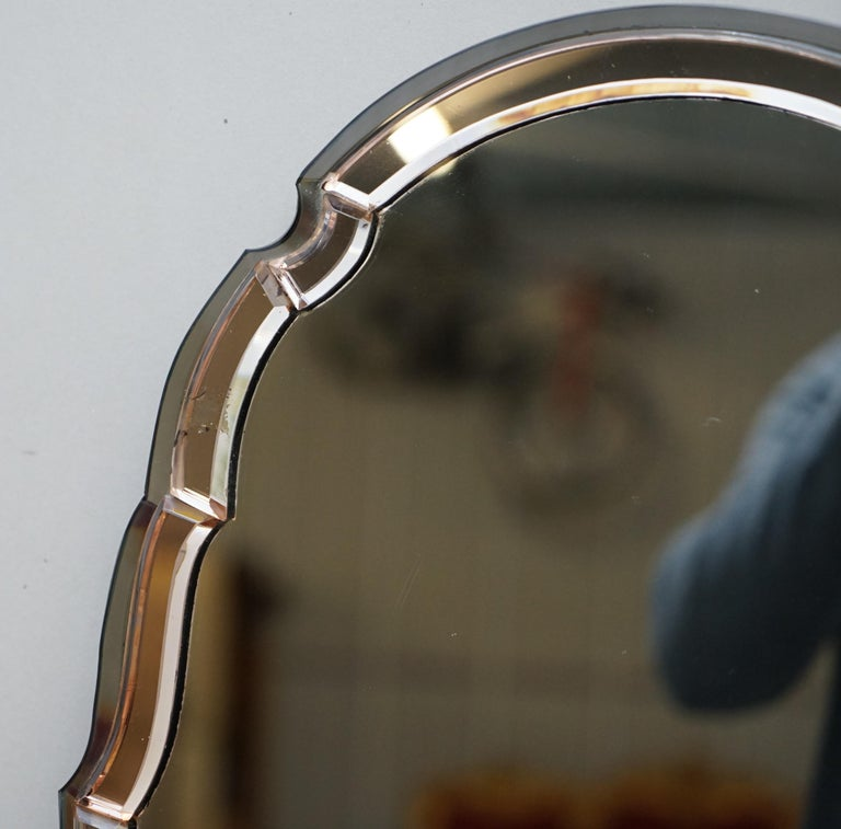 Sublime 1930s Art Deco Peach Glass Beveled Venetian Curved Steeple Top Mirror In Good Condition For Sale In London, GB