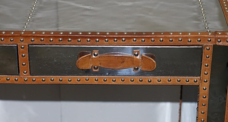 Sublime Andrew Martin Polished Chrome Luggage Campaign Dest Leather Boarders In Good Condition For Sale In , Pulborough
