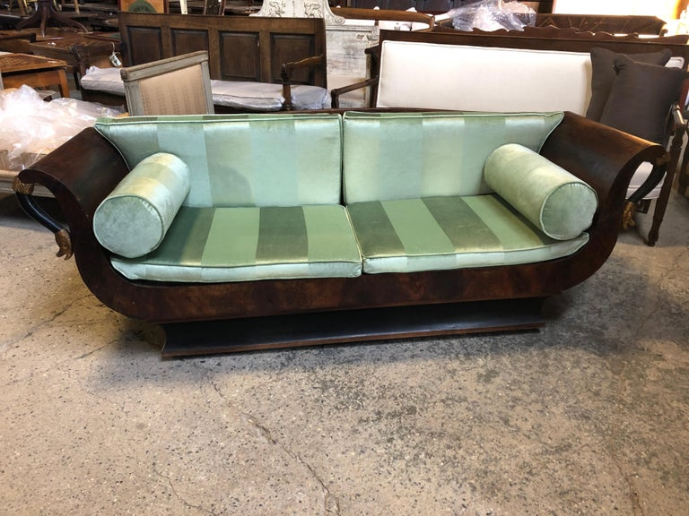 Sublime French Empire Walnut Curvy Sofa with Gilded Swans and Velvet Upholstery For Sale 8