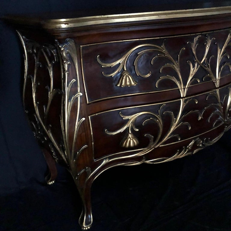 Sublime Louis XV Serpentine Chest or Commode with Rare Gold Floral Details In Good Condition In Hopewell, NJ