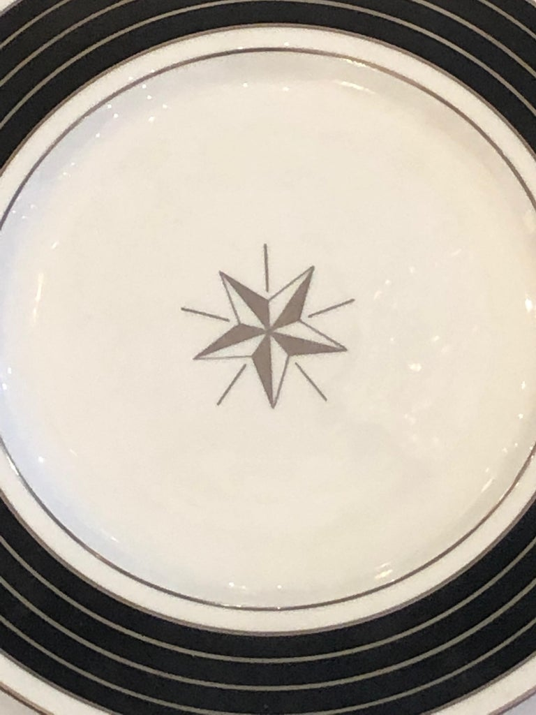 Porcelain Sublime Set of 12 Minton Dinner or Service Plates For Sale