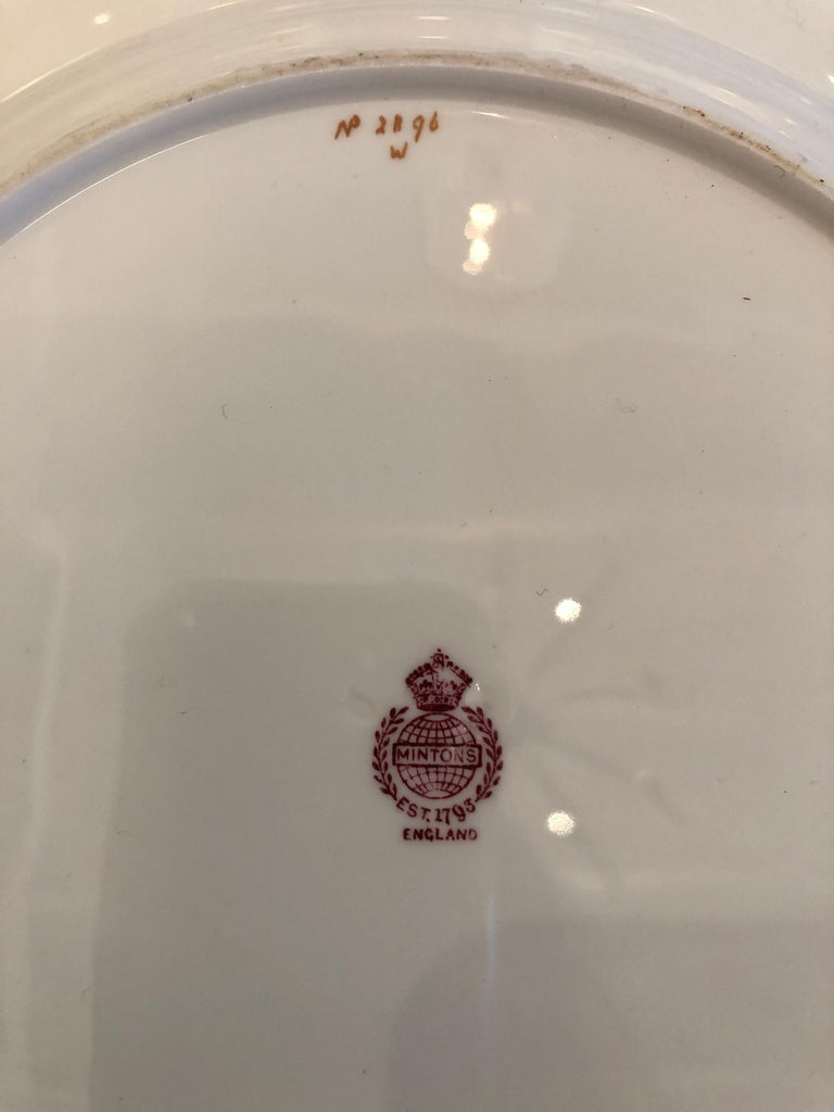 Sublime Set of 12 Minton Dinner or Service Plates For Sale 3