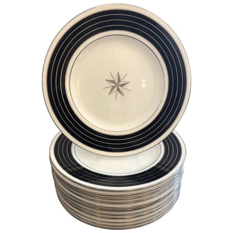 Sublime Set of 12 Minton Dinner or Service Plates For Sale