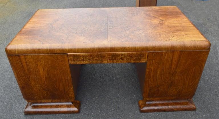 Substantial Art Deco Walnut Partners Desk, circa 1935 For Sale 7