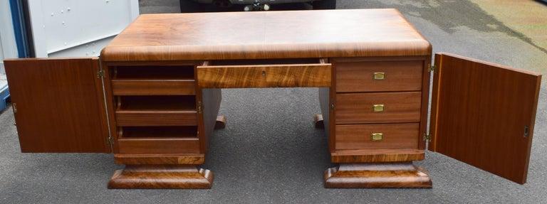 Substantial Art Deco Walnut Partners Desk, circa 1935 For Sale 9