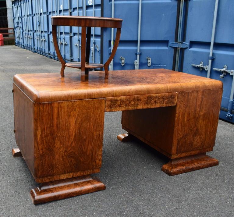 Substantial Art Deco Walnut Partners Desk, circa 1935 For Sale 2