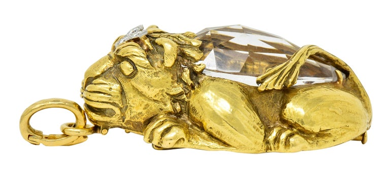 Substantial David Webb Diamond Rock Crystal 18 Karat Gold Lion Pendant Brooch For Sale 2
