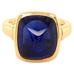 Sugarloaf Sapphire Ring in Yellow Gold