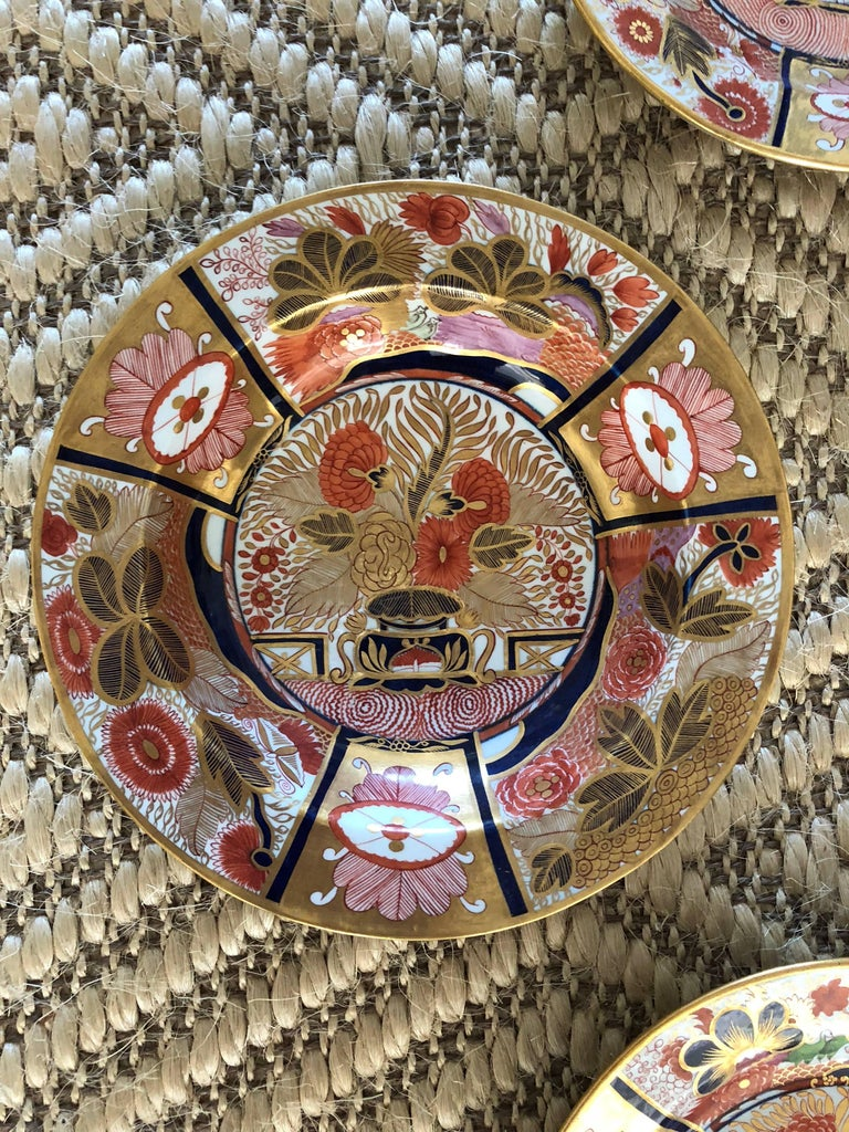 English Suite of Chamberlain's Worcester Porcelain Dishes For Sale