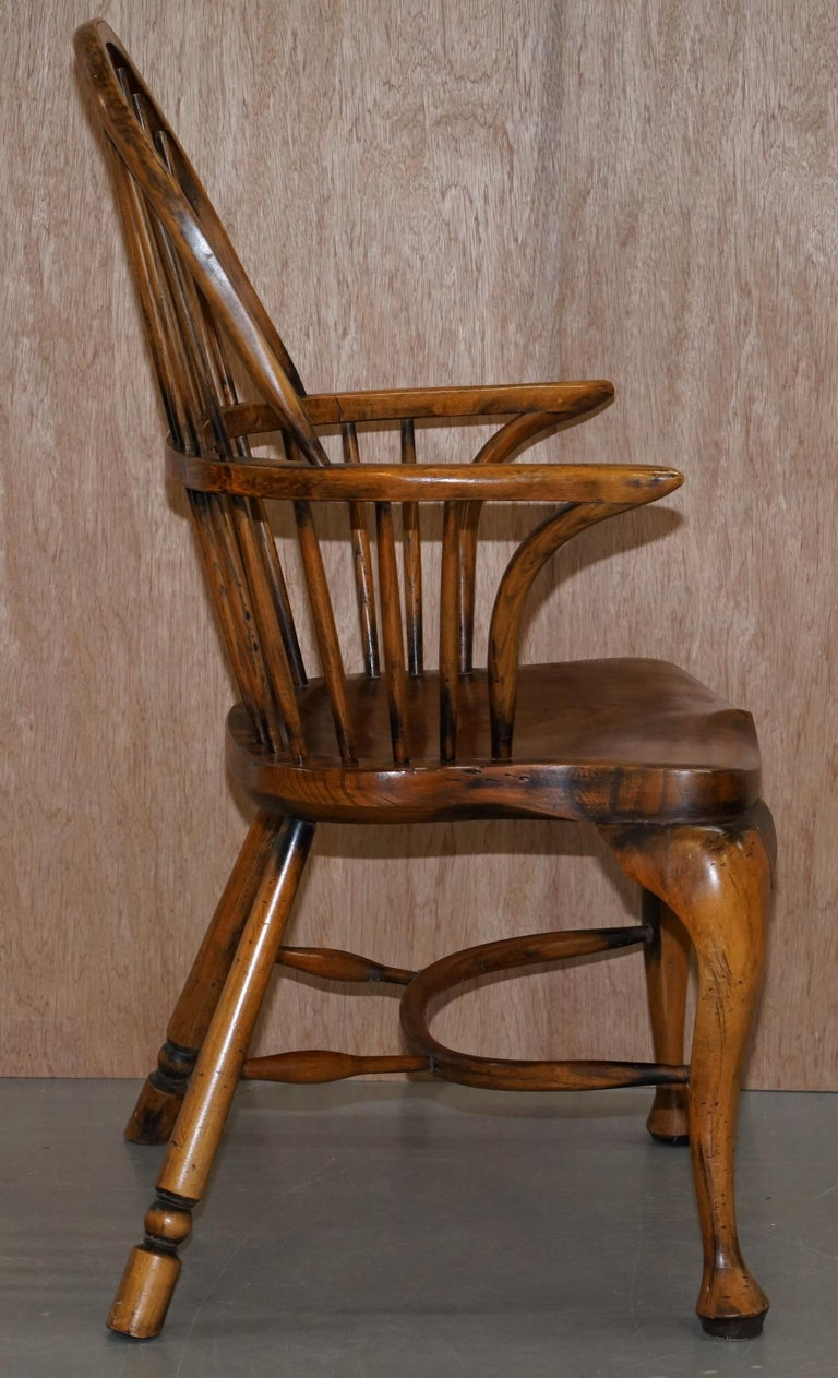 Suite of Eight Vintage English Windsor Dining Chairs Including Two Armchairs For Sale 12