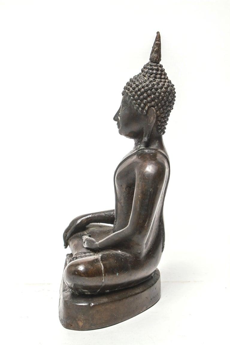 20th Century Sukothai Style Thai Bronze Seated Buddha For Sale