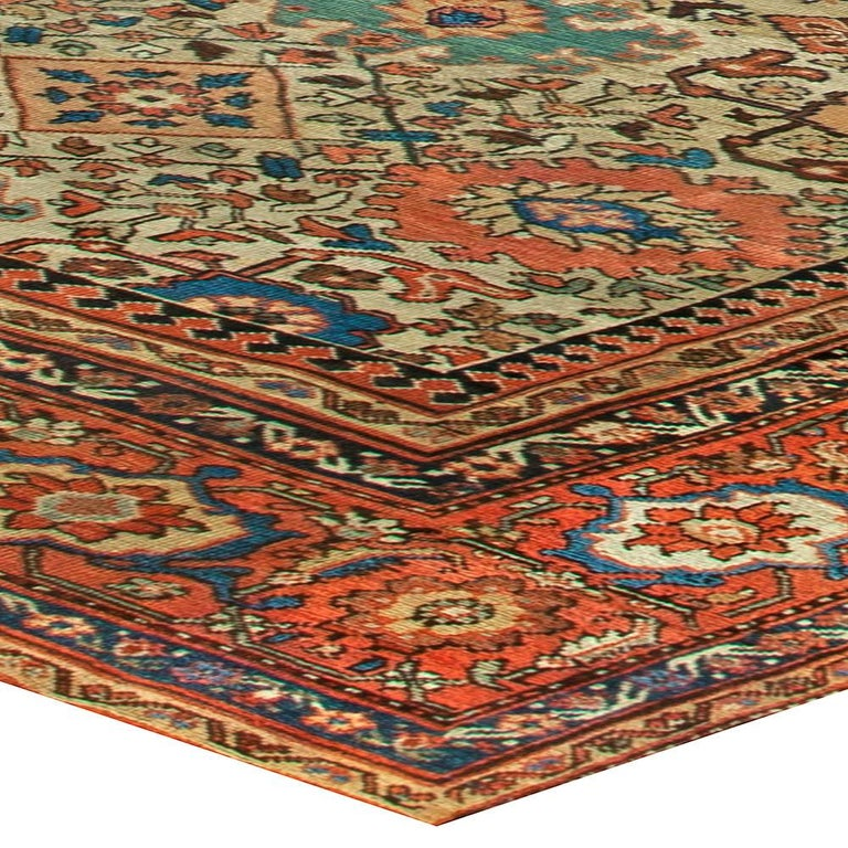 Sultanabad Antique Handwoven Wool Rug In Good Condition For Sale In New York, NY