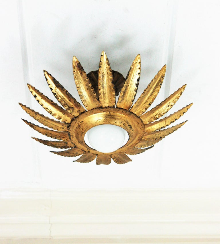 Sunburst Flower Light Fixture or Pendant in Gilt Metal In Good Condition In Barcelona, ES