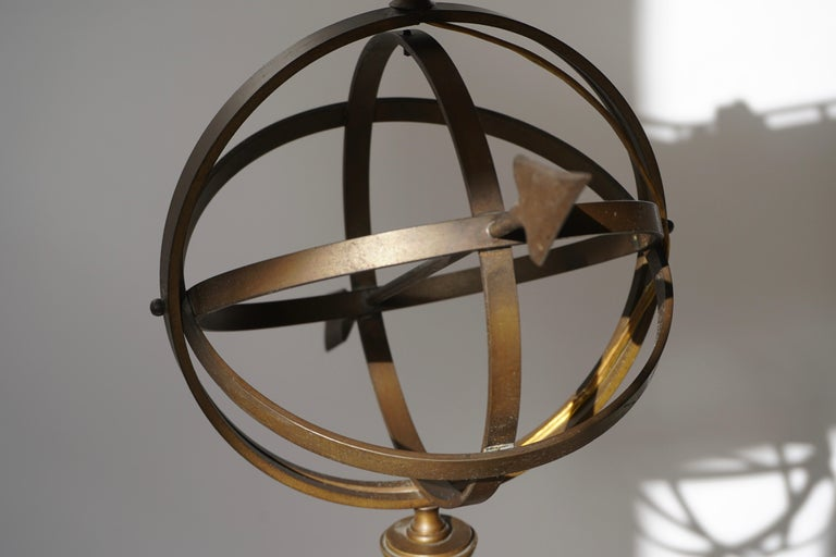 Sundial Table Lamp in Patinated Brass on Wooden Base For Sale 3