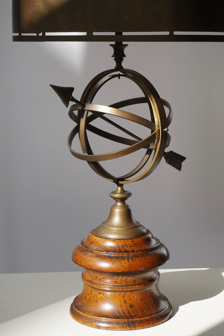 Sundial Table Lamp in Patinated Brass on Wooden Base For Sale 4